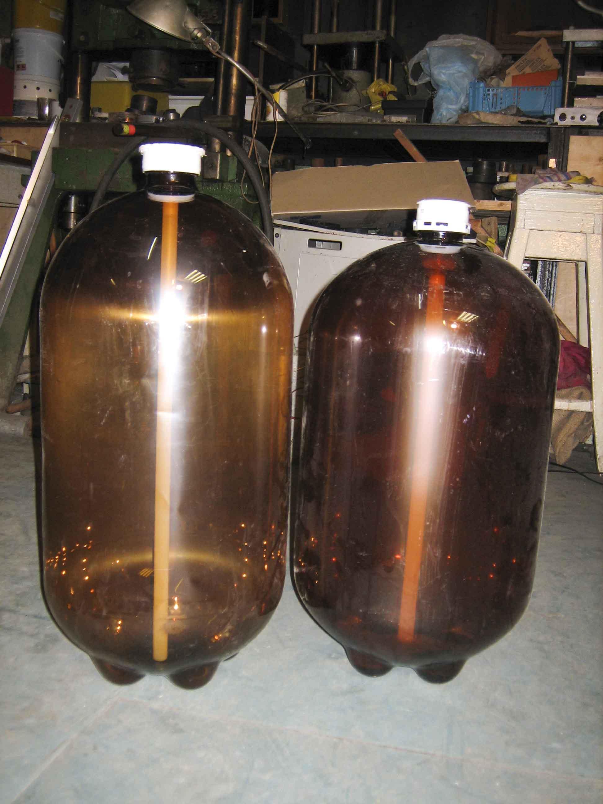Поделки из 30 литровых бутылок из под пива 33
